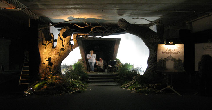 Roadshow Alice in Wonderland